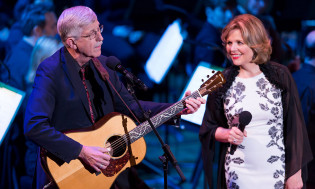 NIH Director Francis Collins, M.D., Ph.D. and Renée Fleming perform at NIH's 2017 Sound Health event.